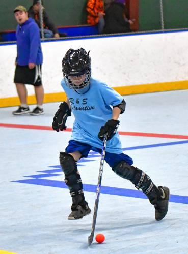 Athol Daily News - Dek hockey: Don Matthew's Excavating digs