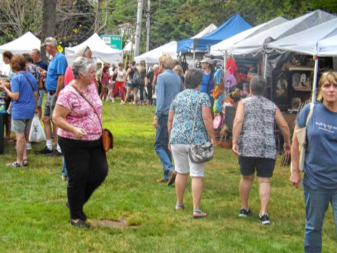 Athol Daily News Thousands Enjoy Templeton Arts And Crafts Festival