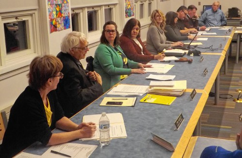 World Cultures class defended at A-R School Committee meeting